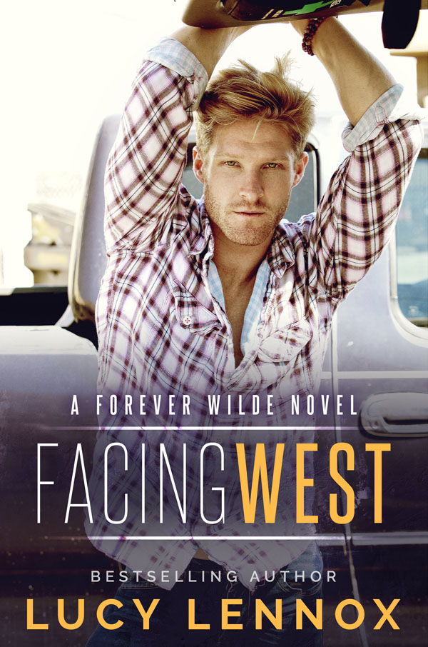 Facing West - Lucy Lennox - Forever Wilde