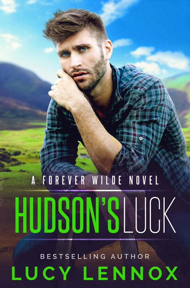 Hudson's Luck - Lucy Lennox